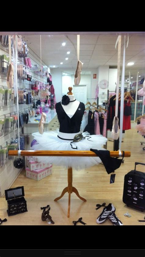 Diy Home Decor Projects On A Budget Dance Retailers Get More Sales With These Window Display