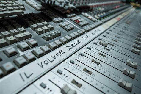 nuova canzone il volume delle tue bugie