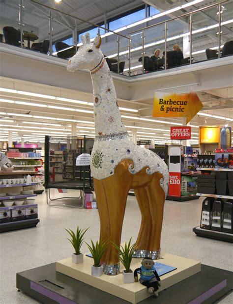 mooch stand tall  giraffes  colchester