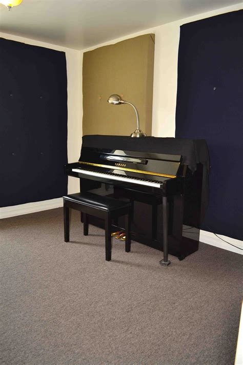 The Room Epilogue Piano by 408 Practice Room With Upright Piano 201 Pilogue Musique