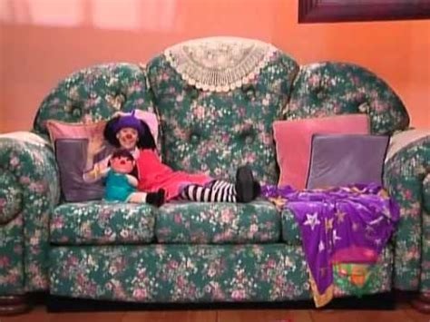 comfy couch videos big comfy couch the clown promise youtube
