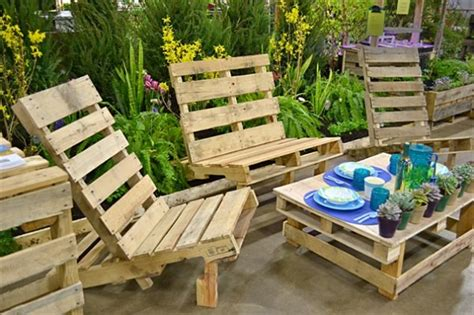 how to make patio furniture out of pallets 13 cool diy outdoor furniture made of pallet