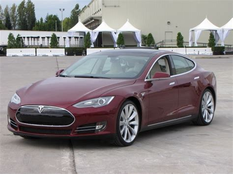 Tesla Model M Tesla We Re A New 2015 Roadster Plus 3 Series Beaters