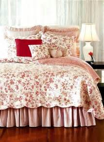 Bedspreads And Quilts Brighton Toile Quilt And Bedding