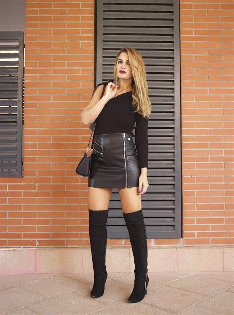 Sexy Bolsos And Faldas On Pinterest | top asimetrico falda de cuero botas mosqueteras amaras la