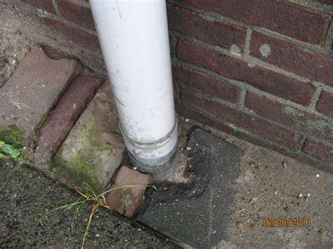 verstopt toilet flexibele veer vervangen hemelwaterafvoer en ontstoppen werkspot