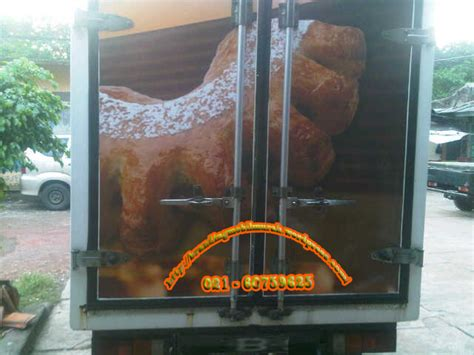 latar belakang pembuatan roti specialist stiker mobil dan branding mobil untuk promosi