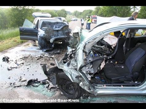 Motorradunfall 2 Tote 2015 by Drei Tote Bei Raser Unfall 07 06 2015 Doovi