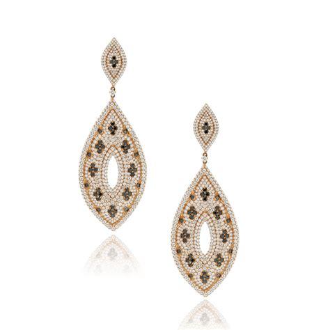 Dangle Earring 18k gold black white dangle earrings