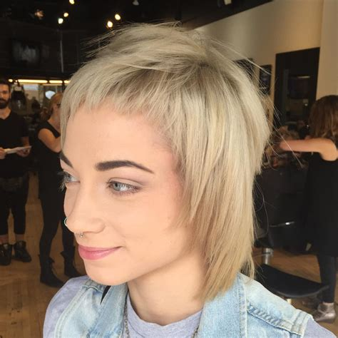 shaggy hair styles with bangs with medium hair over 40 26 short shag hairstyle designs ideas design trends