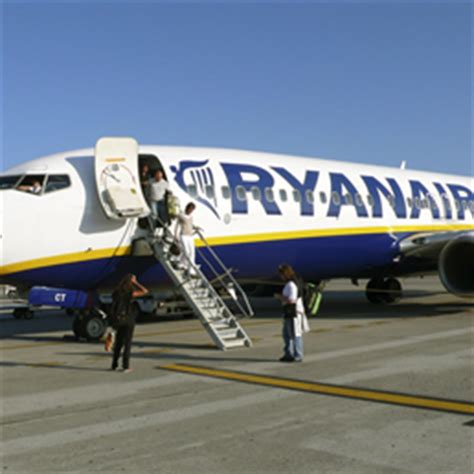 voli interni usa low cost ryanair rinuncia ai voli roma troppa concorrenza