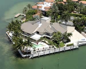 waterfront luxury homes few luxury mansions modern diy designs