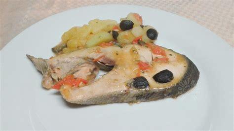 cucinare i tranci di salmone tranci di salmone con patate e pomodorini ricettafacile it