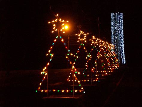 Best Places To See Christmas Lights In New England New Places To Go See Lights