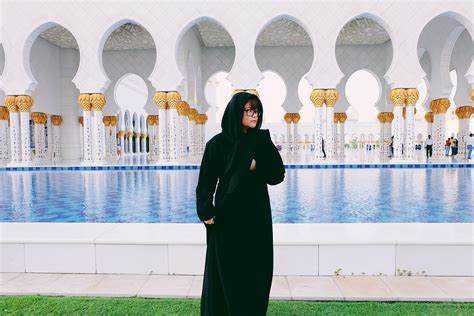 Mousque Drees a visit to sheikh zayed grand mosque aletha