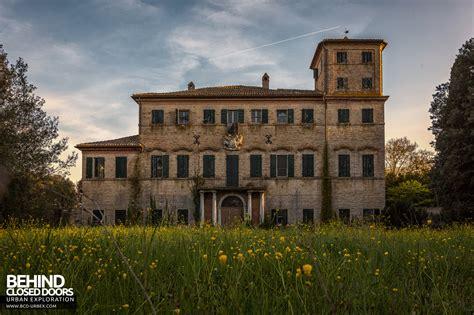 www house villa cripta house with a crypt italy 187 urbex behind