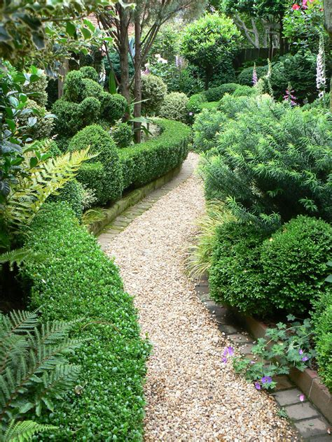 the garden: gravel paths and patios