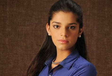 ufone commercial actress sanam saeed becomes brand ambassador of nestle lemon max