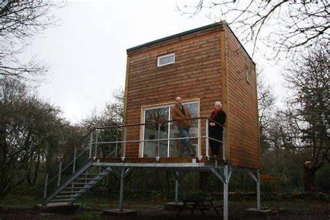 habitation sans permis de construire 3821 ils inventent l ind 233 pendante une maison 233 colo et low cost