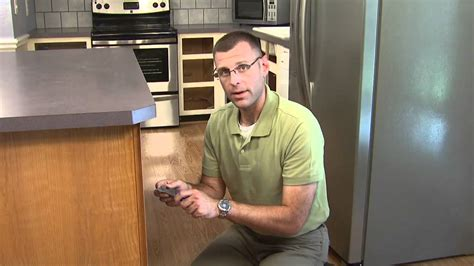 Youtube Refinishing Kitchen Cabinets | kitchen cabinet refacing how to by kitchenreface youtube