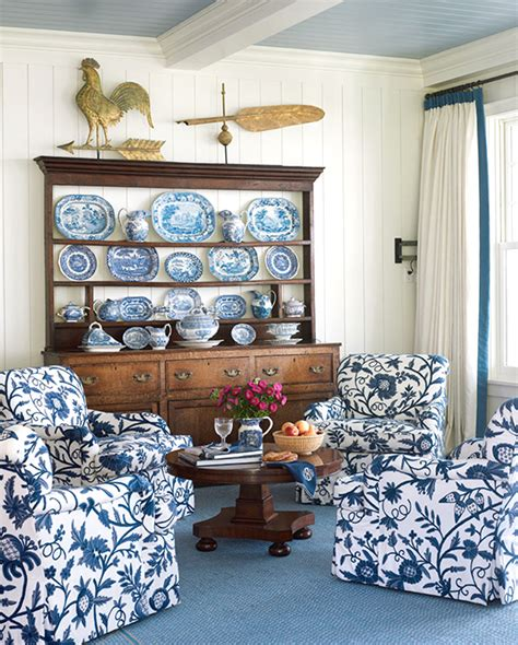Blue And White Home Decor by Beautiful Rooms In Blue And White Traditional Home