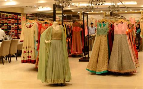 best places to shop for ethnic clothes in delhi so delhi