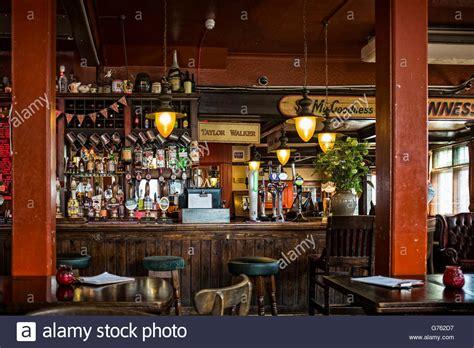 interni pub i bracci di pelton pub interno pub tradizionale inglese