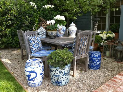 glam pad decorating  blue  white outdoors