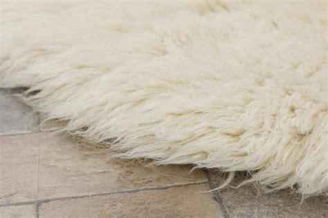 white flokati rug buy flokati rug 1700g m2 150cm the real rug company