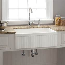 Farm Style Kitchen Sink 18 Quot Ellyce Fireclay Farmhouse Sink With Overflow White Kitchen