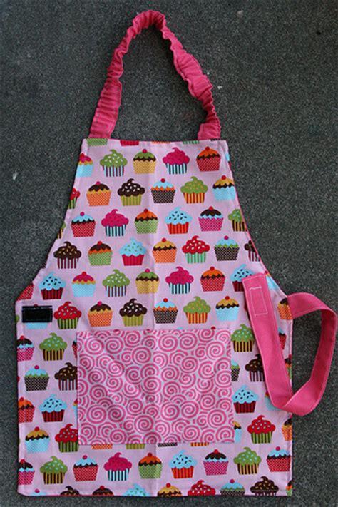 pattern children s apron free childs apron tutorial and pattern craftbnb