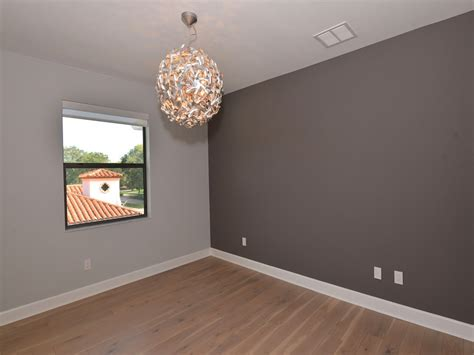 pareti grigie soggiorno colori pareti grigio perla maniglia frontali