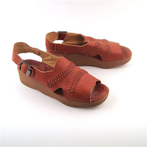 famolare sandals famolare sandals platform vintage 1970s by purevintageclothing