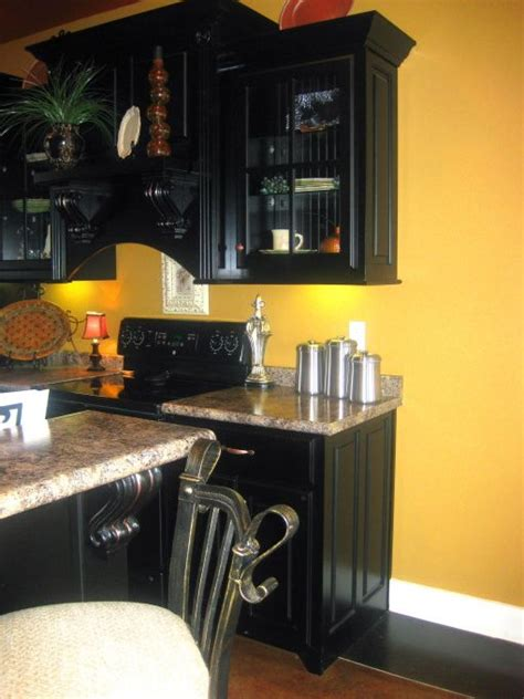 yellow kitchen dark cabinets 100 best images about wall and trim colors on pinterest
