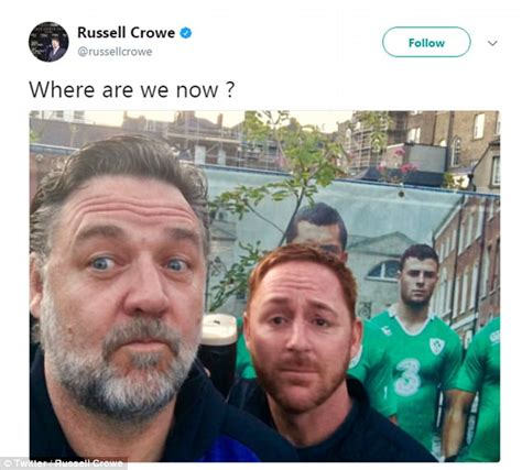 russell crowe dons trackies   late late show