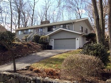 9 witch ct norwalk ct 06853 zillow