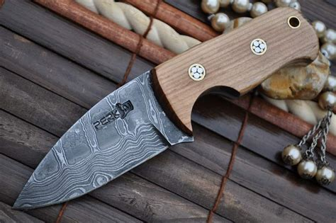 Handmade Usa - custom made damascus bushcraft knife neck knife perkin