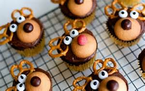 Decorating A Buffet Table Cute Christmas Treats For Kids Moms Amp Munchkins