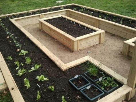 raised bed garden layout design best 25 raised garden beds ideas on raised