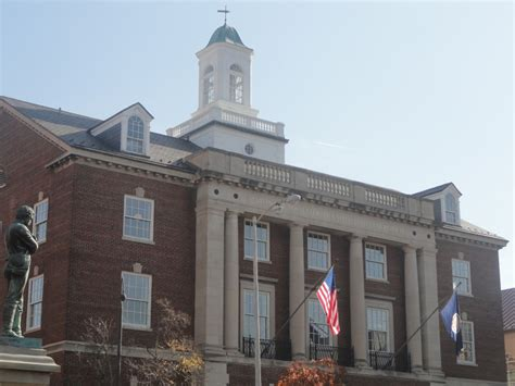 Alexandria Court Records Alexandria Doctor Pleads Guilty To Distributing Drugs Patch