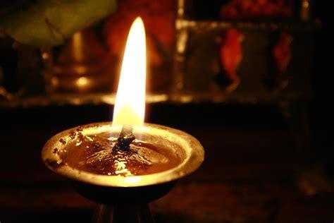 candele ad olio foto gratis lada ad olio fuoco fiamma candela cordone