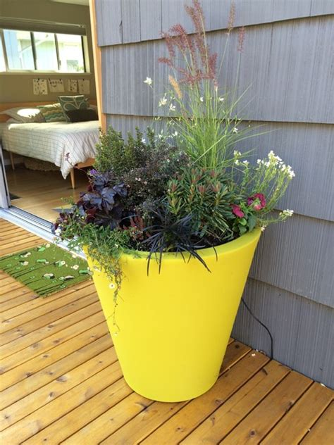 Mid Century Modern Outdoor Planters by Mid Century Modern Backyard Remodel Midcentury Outdoor
