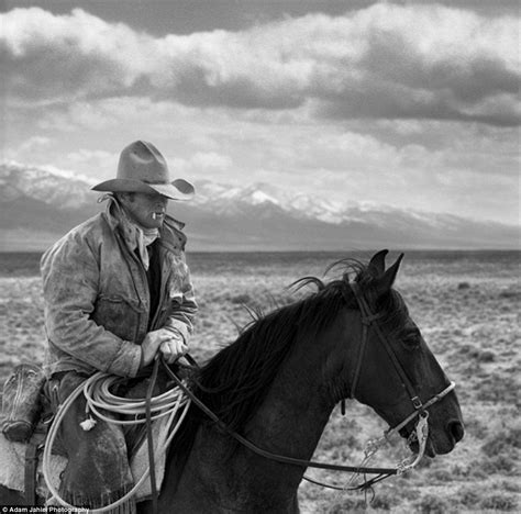 film cowboy amerika the last cowboys stunning black and white images show a