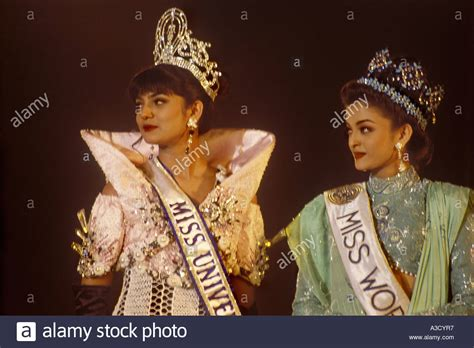 sushmita sen miss universe south asian indian model miss universe sushmita sen with