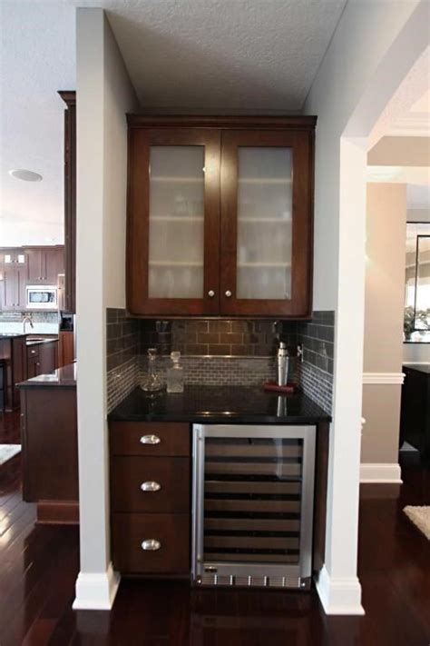 Small Bar For Dining Room by Best 25 Small Home Bars Ideas On Home Bar
