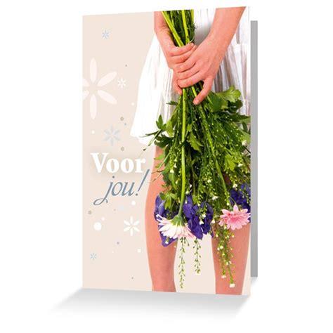 bloemen achter fleurige wenskaarten bestel je bij kaartenkasteel de