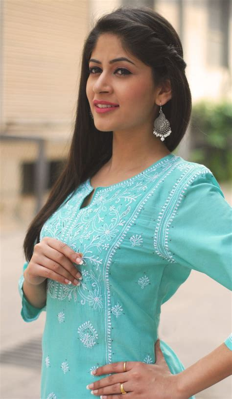 Hairstyles For Indian Kurta | best trendy hairstyles to try with traditional outfits