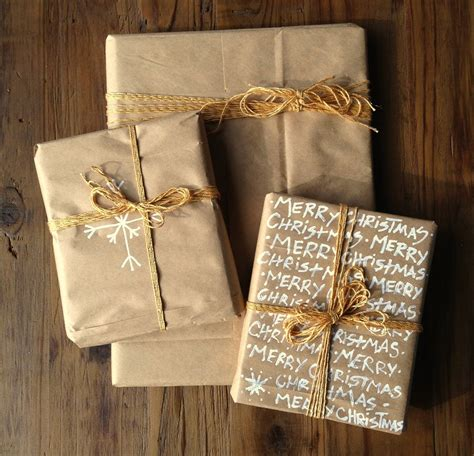 brown christmas gifts wrap it up with brown paperdentelle fleurs