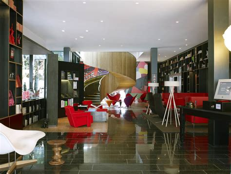 Citizenm Hotels by Citizenm Unveils Boutique Hotel In London 171 Twistedsifter