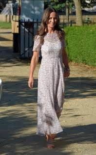 Who will design pippa middleton s wedding dress